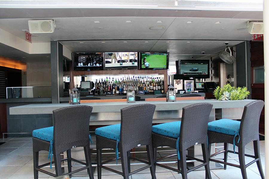 Joule Hotel Bar