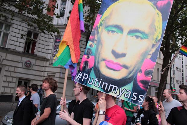 berlin demonstration against putins antigay laws