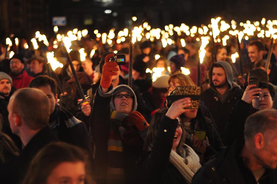 Edinburgh S Hogmanay Torchlight Procession