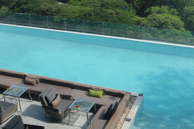 Bangkok rooftop pool - Sofitel So (Silom)