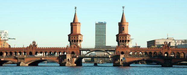berlin bridge oberbaumbrucke