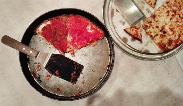 food tour deep dish pizza