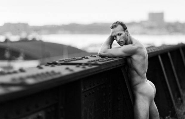 High Line Nudes - Photo Book LGBTQ - http://travelsofadam.com/2016/11/high-line/