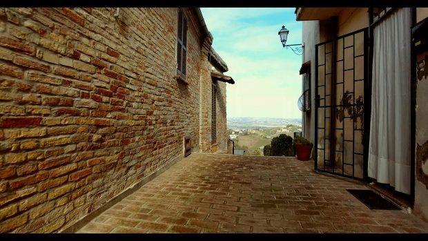 Abruzzo, Italy – An Italian Hotspot Worth Visiting - Travels of Adam - https://travelsofadam.com/2017/04/abruzzo-italy-spoltore/