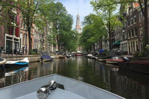 visit amsterdam by boat